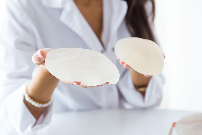 隆乳手術-自體脂肪? 果凍矽膠?