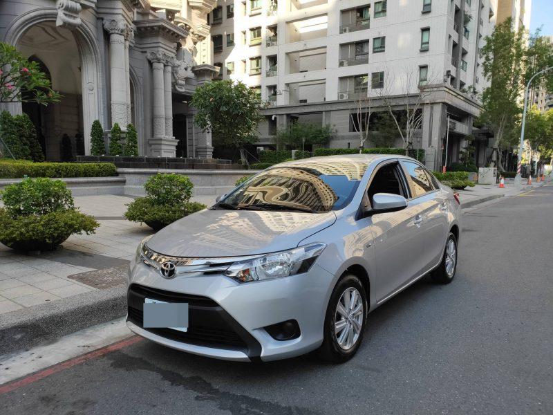 Toyota 中古車-2017年 豐田 VIOS 經典版 1.5 銀色