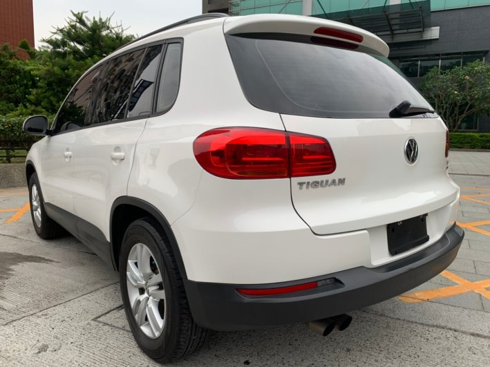 福斯中古車-2013 VW TIGUAN TSI 1.4 5D 2WD 里程13萬 售價38.7萬